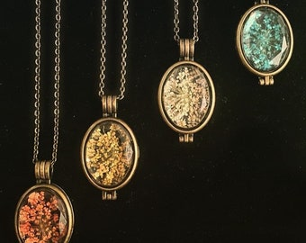 Queen Anne's Lace Glass Locket