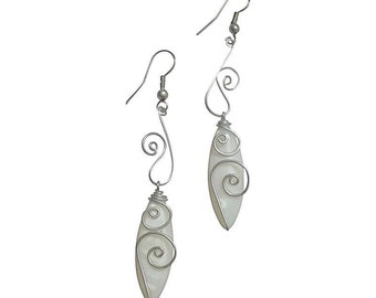 White Mother-of-Pearl Earrings in Waves and Drops Design - Memories of the Sea