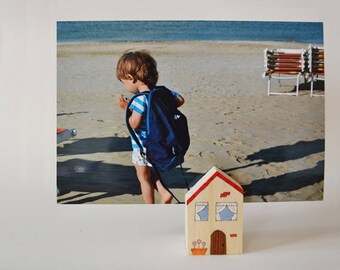 Cabin photo frame and placeholder media