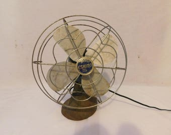 Vintage Eskimo Model 1005R Oscillating Table Fan Steampunk Industrial - WORKS!