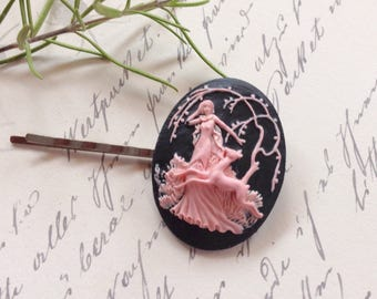 Art Nouveau Pink on Black Maiden Hair Clip