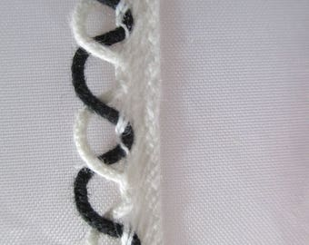 black and white piping 2 meters long and 1 cm wide
