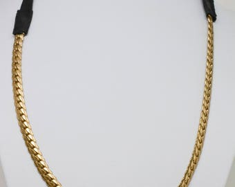 Lovely gold tone chain necklace