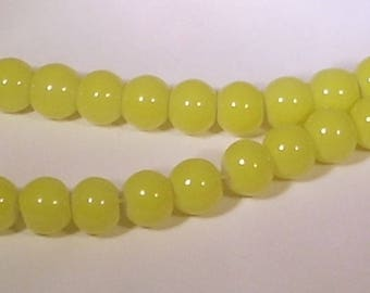 Round 8mm yellow glass beads