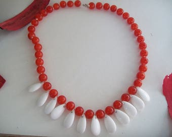 drop shape with red glass bead necklace white