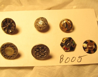 antique buttons, seven smal metal, some mirrors and steelcuts