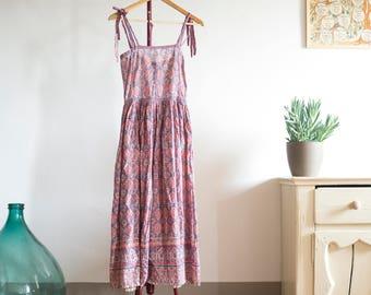 Vintage Indian Cotton Dress, 70s Block Print Fabric, Summer Boho, Bohemian Hippie, Cotton Gauze, Midi Length, XS