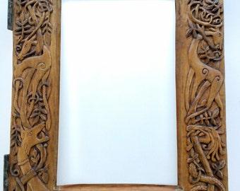 Celtic animales espejo tallado en madera, talla en madera hecha a mano, 11,8 x 15, en 7.