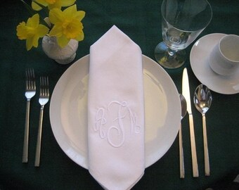 Personalized Napkins -Monogrammed dinner napkins set of 12 - washable embroidered napkins - cloth napkins - personalized napkins