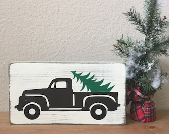 Christmas truck with tree wood sign - Vintage Christmas truck - Christmas wood sign - Christmas decor