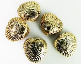 30 Vintage Tiny Gold Plated Shell Charms Pd653