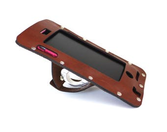 bike gift Bicycle Mount iPhone 8 7 6 S  or Plus Holder in Brown Leather, bike accessories, iPhone 5S SE, beach cruiser, personalize