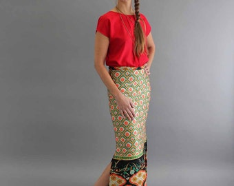 """Asian inspired quilted maxi skirt, 29"""" waist . 60s / 70s quilted skirt . bohemian skirt . hippie skirt . full length skirt with side slit"""