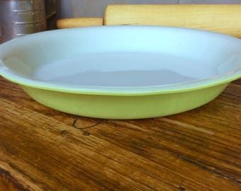 Vintage Pyrex Lime Green Pie Plate / Mid Century Green Pyrex Pie Pan Baking Dish & Pie pan | Etsy