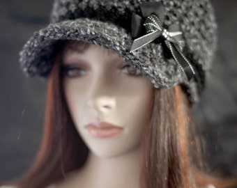 Gray and Black Newsboy Hat - with Bow