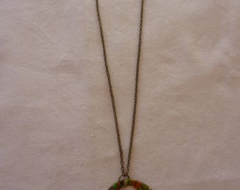 Necklace round marbled colors of autumn