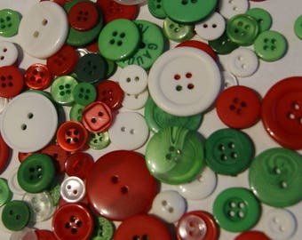 100  Green  Red  White, ASSORTED sizes, Christmas Button Mix  Crafting Jewelry Collect (1410)