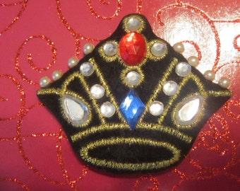 Vintage Black Crown Brooch With Pearls and Rhinestones