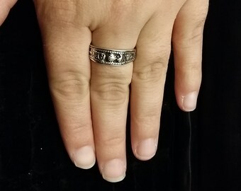 R 217 Sterling silver ring. Approximate size 9