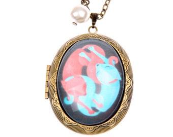 Foxes in love locket, fox necklace, fox jewelry  (3040m)