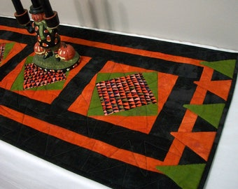 Halloween Table Runner Quilted FREE US Shipping Quiltsy Handmade Black Orange Green Monster Teeth