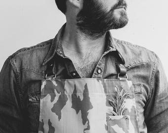 THE MILLER camouflage apron with leather neck strap.