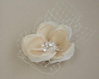 Bridal hair flower, Wedding hair piece, Champagne hair flower, Cream weddings hair accessories, bridal fascinator, headpiece, pearls, tulle