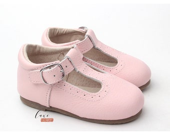 Tstraps, T-straps baby shoes Leather shoes Ballerina baby girl shoes soft soled soft soled shoes flower girl shoe Mary Janes crib shoes pink
