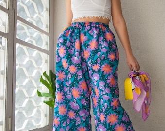 "Elastic waist Culottes with pockets printed in the colourful ""Floralicious"" pattern"