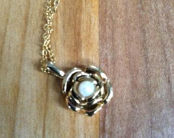 Tiny Flower Necklace