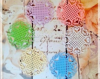 Mini Super Doily, 1 pack of 10pcs. Perfect for cardmaking, scrapbooking, decoration and many more!