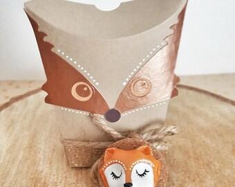 Small porcelain Fox magnet