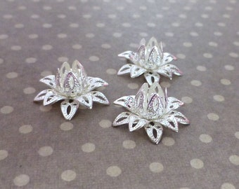 Free Shipping in UK - Pack of 16 Silver tone Brass Flower Bead Caps