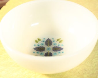 Fire King Bowl, Vintage Swiss Alpine, Marcrest Swiss Chalet, Soup Cereal Chili, Milk Glass Bowl, Milk Glass Swiss Chalet Bowl
