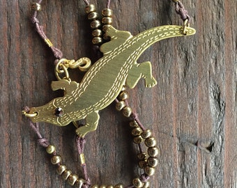 Short Choker Seed Bead Alligator Pendant Necklace