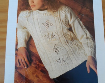Original vintage knitting pattern by Patons for a ladies sweater in double knitting wool