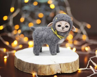 Grey goat.Pet Etti.Mountain goat.Animals thumbnails.Needle felt.Sculpture figurine.