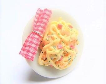 Food Jewelry Pasta Carbonara Ring, Pasta Jewelry, Miniature Food Ring, Mini Food Jewellery, Polymer Clay Food, Italian Food Ring, Pasta Ring