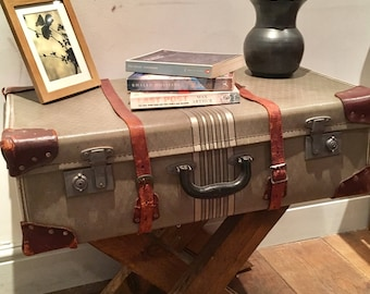 Suitcase table - Vintage suitcase with wooden legs