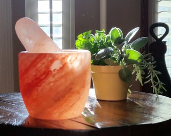 Himalayan Salt Mortar and Pestle-FANTASTIC gift!!!! SHIPS FREE!