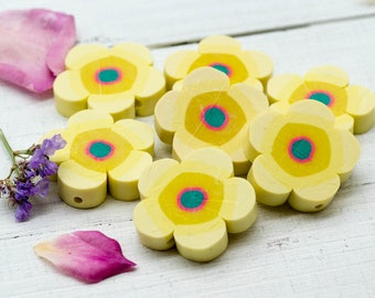 Flower Beads, 30mm,10pcs, Clay Beads, Yellow Flowers, 2mm Hole, Fimo -B104