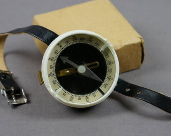 Mechanical compass, compass, wrist compass, travel compass, compass USSR, tourist, traveler, traveling, travel accessories, military compass