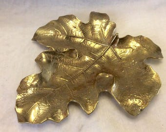 Vintage Virginia Metalcrafters 1940's fig leaf cast iron plate dish platter. Free ship to US