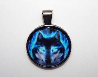 Wolf pendant, Wolf necklace, wolf jewelry, wolf keychain, Wolf totem, spirit wolf, magical wolf, Wolf amulet, wolf talisman, gift for him he