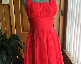 Stunning 1950's fire engine red party frock - size S