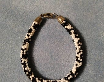 Vintage Beaded Bracelet, Black and White Glass Seed Bead Tube Bracelet, 8 Inches Long Silver Tone End Caps and Lobster Clasp, Gender Neutral