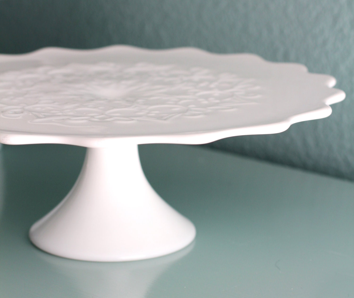 ?zoom & Milk Glass Cake Stand / Vintage Cake Stand Pedestal for