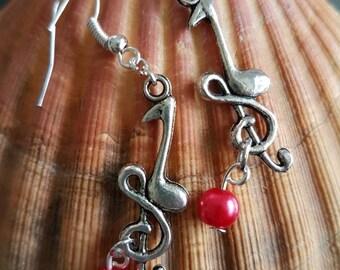 Music earrings