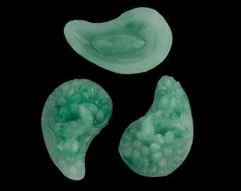 Vintage paisley shaped molded jade floral glass stones, Occupied Japan 12x19mm. Pkg 2. b5-476(e)