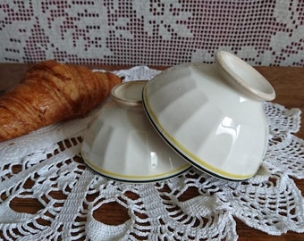 2 cafe Bistro faience bowls. France. From the 40s.